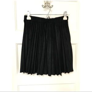 Very J navy blue pleated skirt